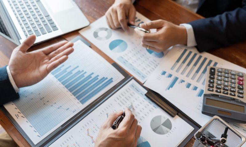 La stratégie de focalisation : quels sont ses avantages et ses inconvénients ?